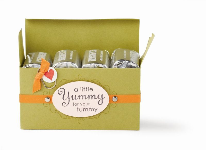 A LITTLE YUMMY GIFT BOX