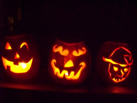 Pumpkin_carvin_08_the_line_up_j_dad